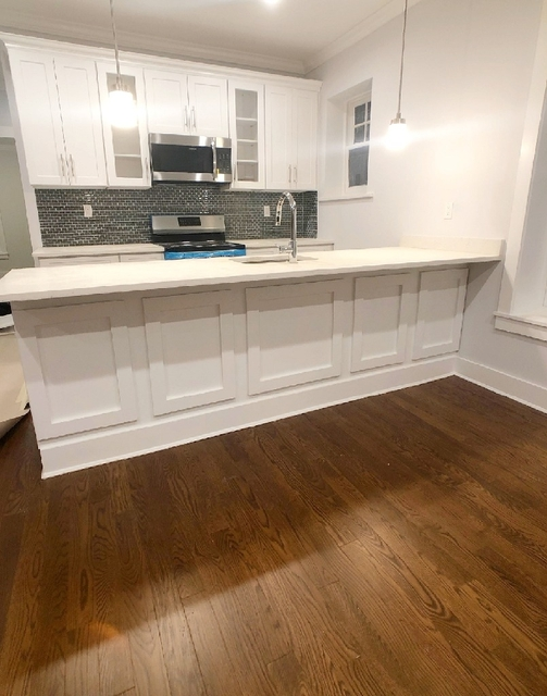 2 Bedrooms, Ditmars Rental in NYC for $3,500 - Photo 1