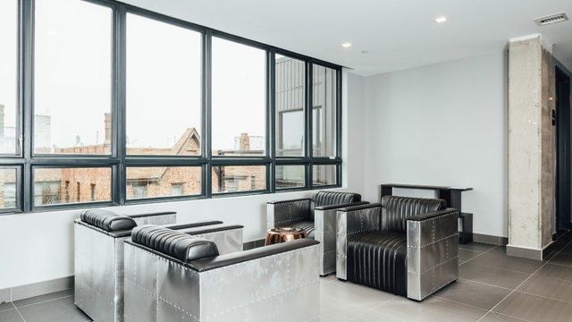 2 Bedrooms, Crown Heights Rental in NYC for $2,705 - Photo 2