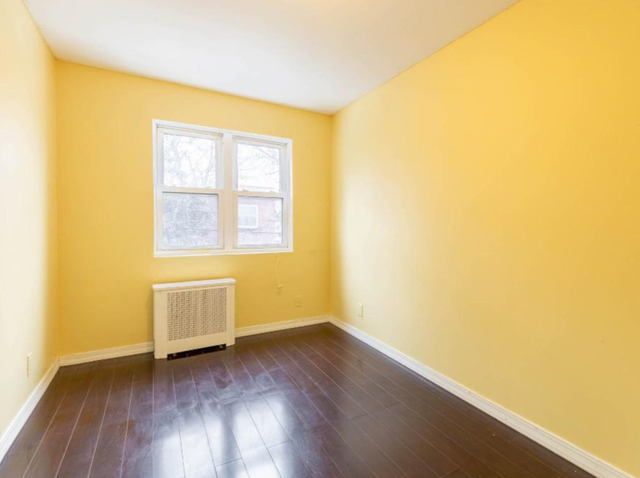 3 Bedrooms, Jackson Heights Rental in NYC for $3,000 - Photo 2