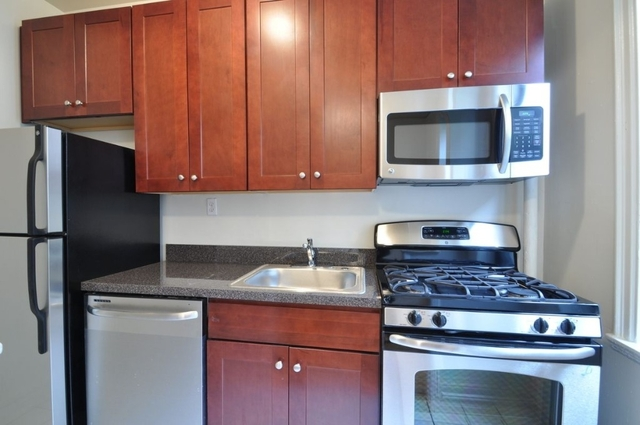 2 Bedrooms, Hell's Kitchen Rental in NYC for $2,995 - Photo 1