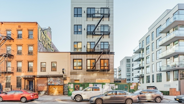 1 Bedroom, Greenpoint Rental in NYC for $3,385 - Photo 2