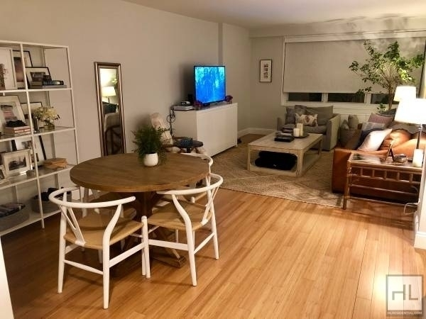 Studio, Lincoln Square Rental in NYC for $2,910 - Photo 2