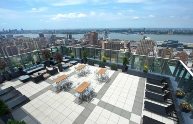 2 Bedrooms, Chelsea Rental in NYC for $5,584 - Photo 1