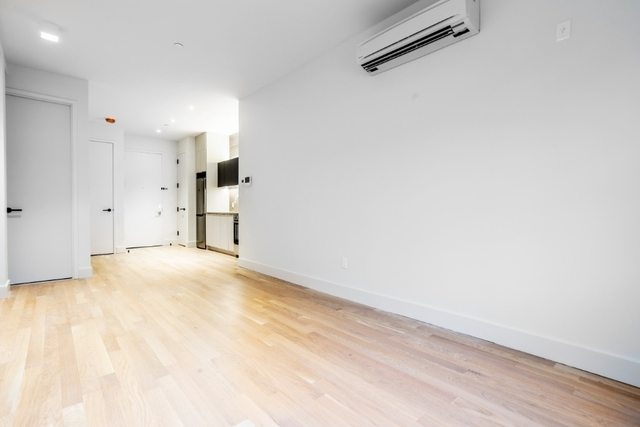 1 Bedroom, East Williamsburg Rental in NYC for $2,871 - Photo 2
