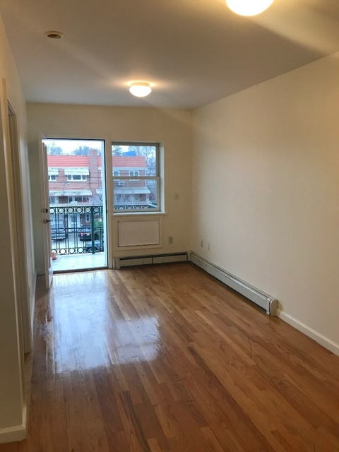 2 Bedrooms, Astoria Heights Rental in NYC for $2,300 - Photo 2