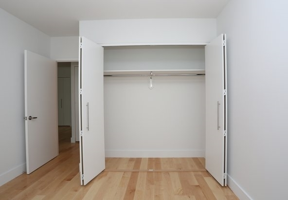 1 Bedroom, Hell's Kitchen Rental in NYC for $3,508 - Photo 2