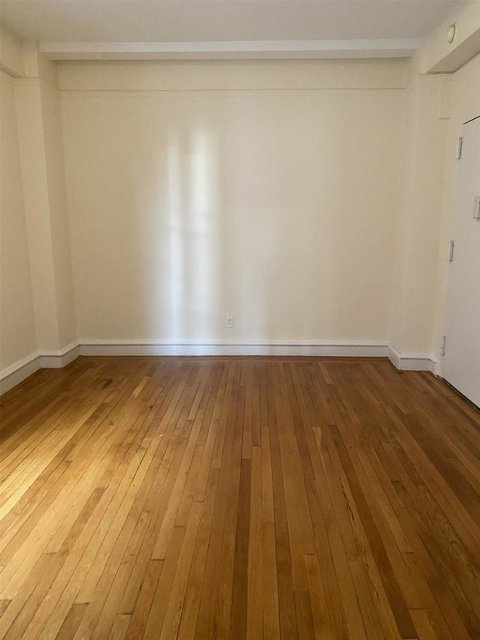 2 Bedrooms, Hell's Kitchen Rental in NYC for $3,490 - Photo 2