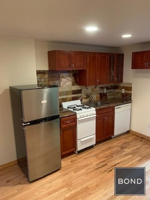 Studio, East Village Rental in NYC for $2,399 - Photo 2