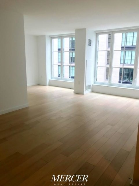 1 Bedroom, Hell's Kitchen Rental in NYC for $3,530 - Photo 2