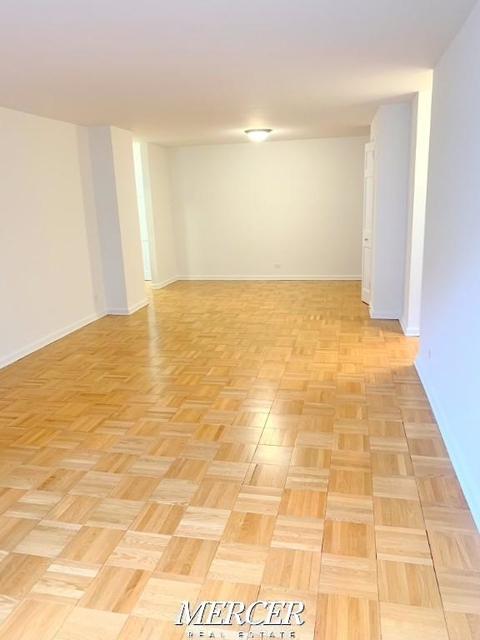2 Bedrooms, Hell's Kitchen Rental in NYC for $4,900 - Photo 2