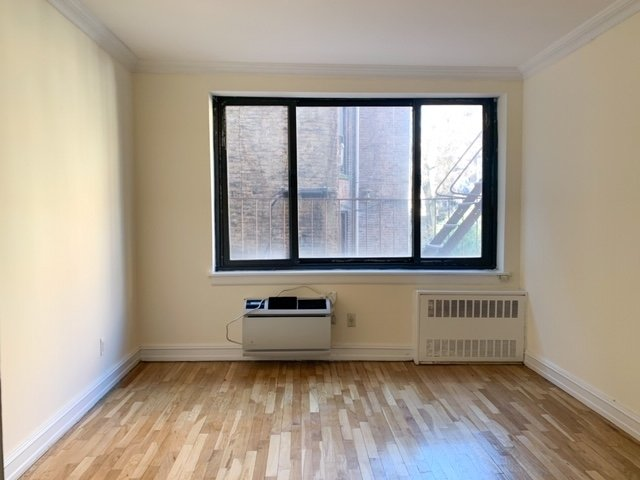 1 Bedroom, Yorkville Rental in NYC for $2,750 - Photo 2