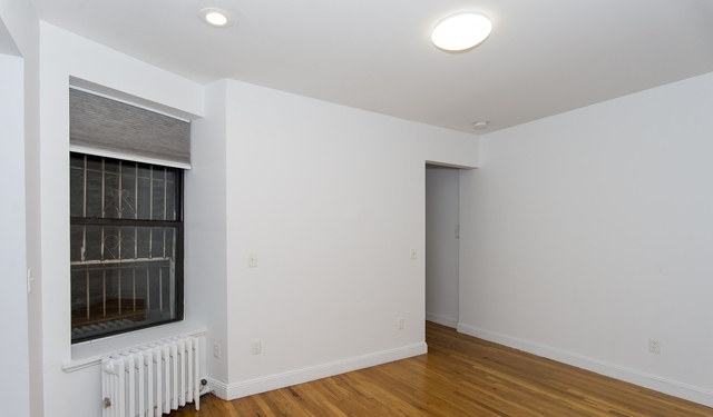 2 Bedrooms, Carnegie Hill Rental in NYC for $3,695 - Photo 2