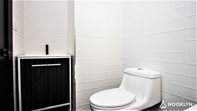 Room, Crown Heights Rental in NYC for $1,050 - Photo 2