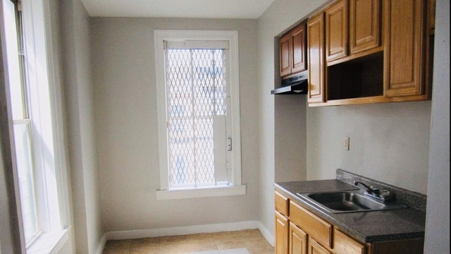 3 Bedrooms, Bedford-Stuyvesant Rental in NYC for $2,450 - Photo 2