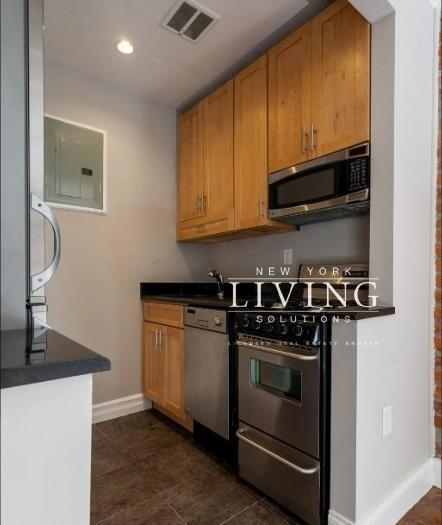 3 Bedrooms, Lower East Side Rental in NYC for $6,600 - Photo 2