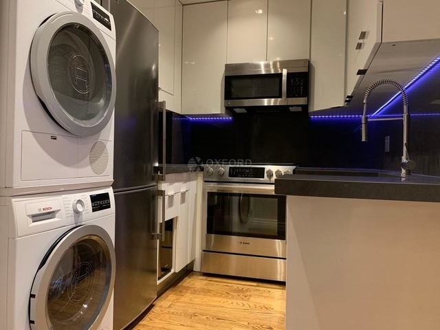 3 Bedrooms, East Village Rental in NYC for $5,996 - Photo 2