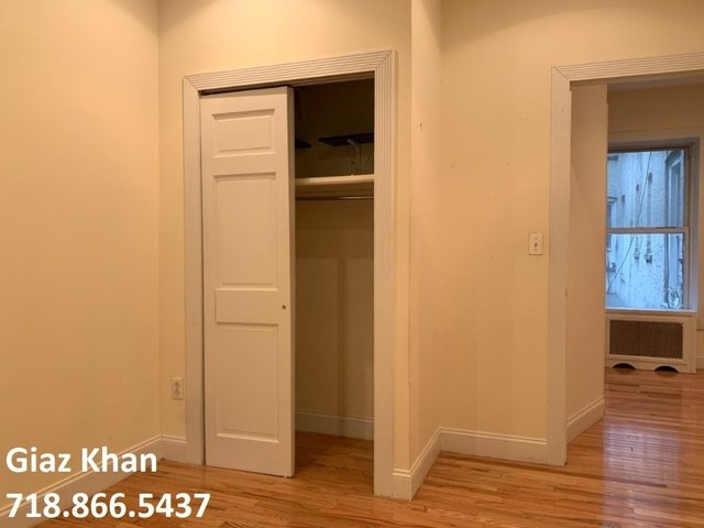 3 Bedrooms, Hell's Kitchen Rental in NYC for $4,120 - Photo 2