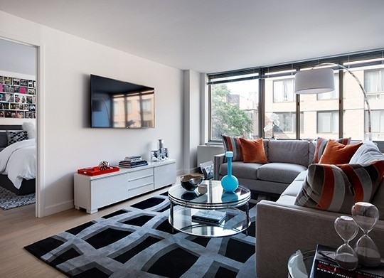 Studio, Chelsea Rental in NYC for $4,035 - Photo 2