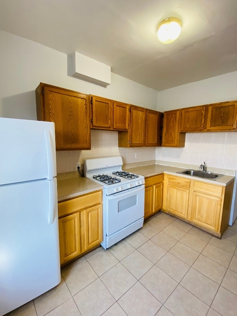 3 Bedrooms, Sunnyside Rental in NYC for $2,295 - Photo 1