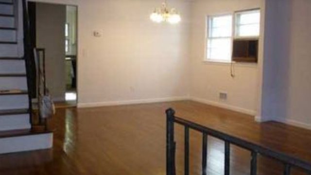 3 Bedrooms, Manor Heights Rental in NYC for $2,499 - Photo 2