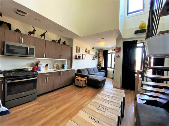 2 Bedrooms, Greenpoint Rental in NYC for $4,100 - Photo 1