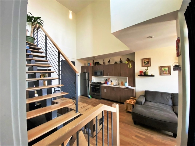 2 Bedrooms, Greenpoint Rental in NYC for $4,200 - Photo 2