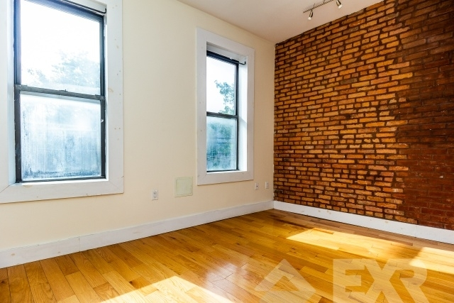 3 Bedrooms, Williamsburg Rental in NYC for $2,899 - Photo 1