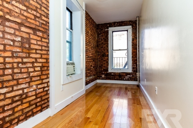 3 Bedrooms, Williamsburg Rental in NYC for $2,899 - Photo 2