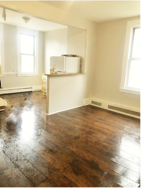 3 Bedrooms, Ridgewood Rental in NYC for $2,499 - Photo 2