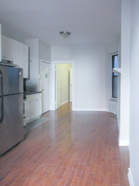 1 Bedroom, Chelsea Rental in NYC for $2,425 - Photo 2