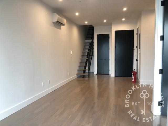 3 Bedrooms, Cobble Hill Rental in NYC for $5,200 - Photo 2