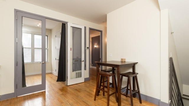 Room, Williamsburg Rental in NYC for $1,375 - Photo 2