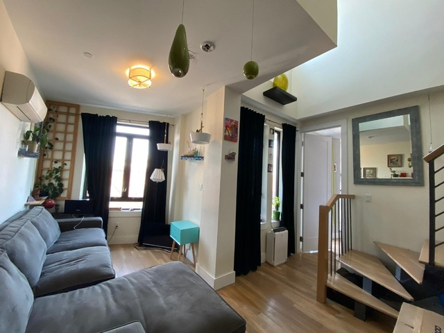 2 Bedrooms, Greenpoint Rental in NYC for $4,199 - Photo 1