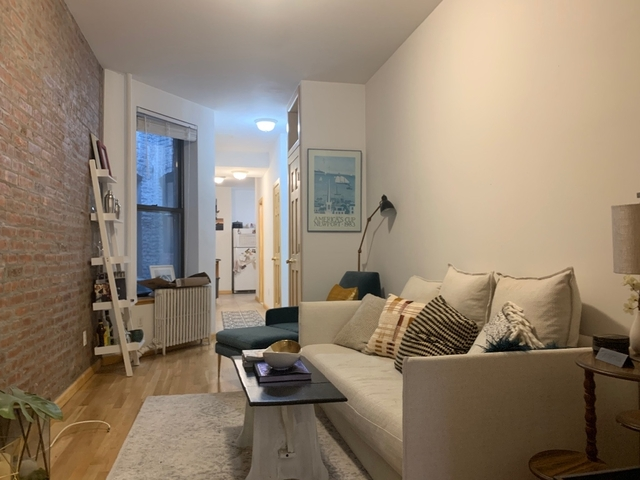 3 Bedrooms, Yorkville Rental in NYC for $3,695 - Photo 2