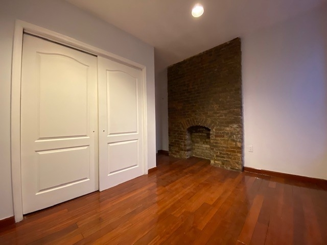 2 Bedrooms, Hell's Kitchen Rental in NYC for $2,500 - Photo 2