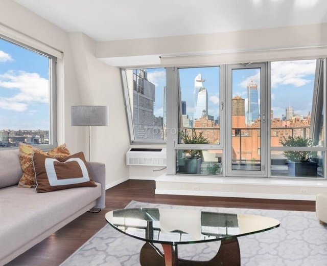 2 Bedrooms, Chelsea Rental in NYC for $14,200 - Photo 1