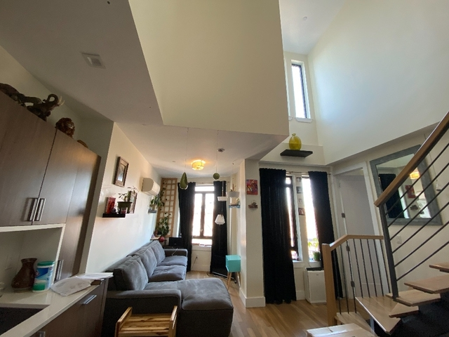 2 Bedrooms, Greenpoint Rental in NYC for $0 - Photo 1