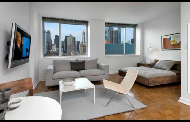 Studio, Hell's Kitchen Rental in NYC for $3,137 - Photo 1