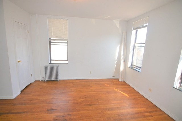 3 Bedrooms, Maspeth Rental in NYC for $2,199 - Photo 1