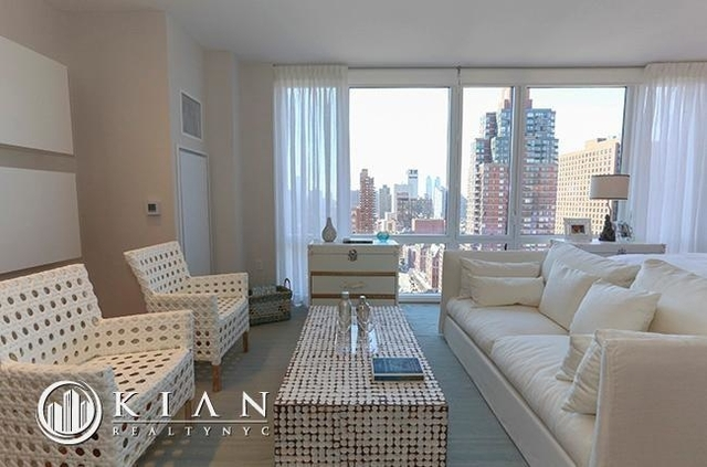 Studio, Lincoln Square Rental in NYC for $3,825 - Photo 2