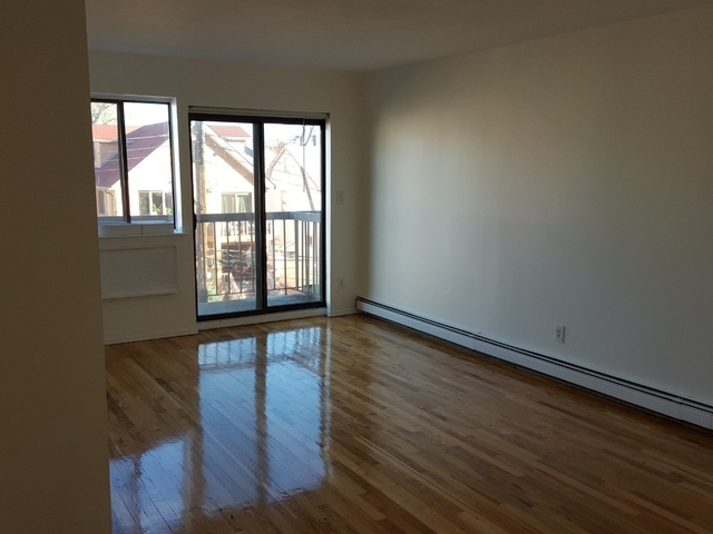 3 Bedrooms, Flushing Rental in NYC for $2,400 - Photo 1