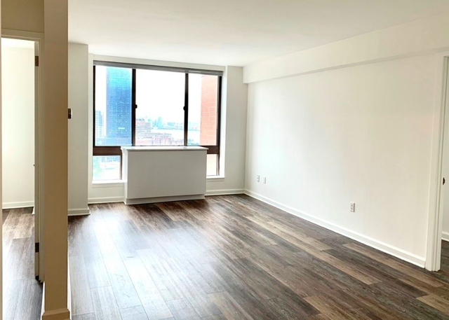 2 Bedrooms, Hell's Kitchen Rental in NYC for $3,602 - Photo 1