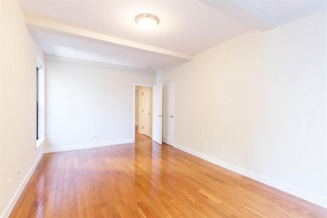 1 Bedroom, Sutton Place Rental in NYC for $3,892 - Photo 2
