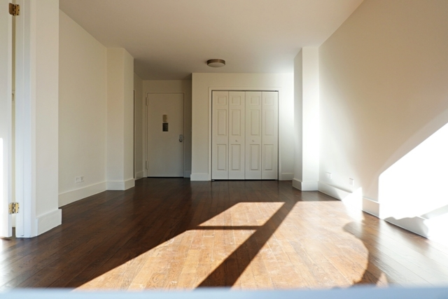 1 Bedroom, Upper East Side Rental in NYC for $3,925 - Photo 2