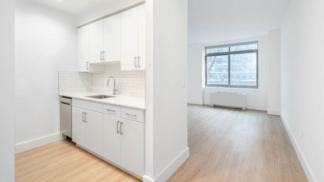 1 Bedroom, West Village Rental in NYC for $5,817 - Photo 1