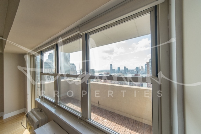 2 Bedrooms, Tribeca Rental in NYC for $4,917 - Photo 2