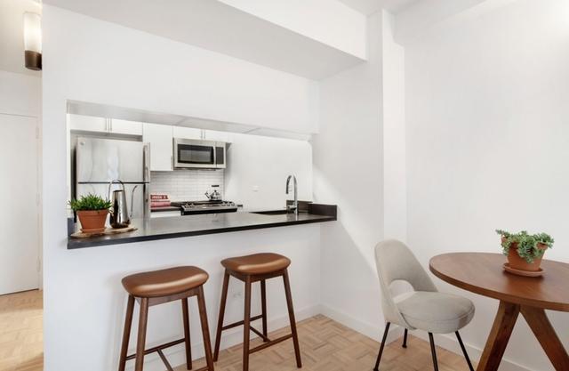 Studio, Yorkville Rental in NYC for $3,462 - Photo 2