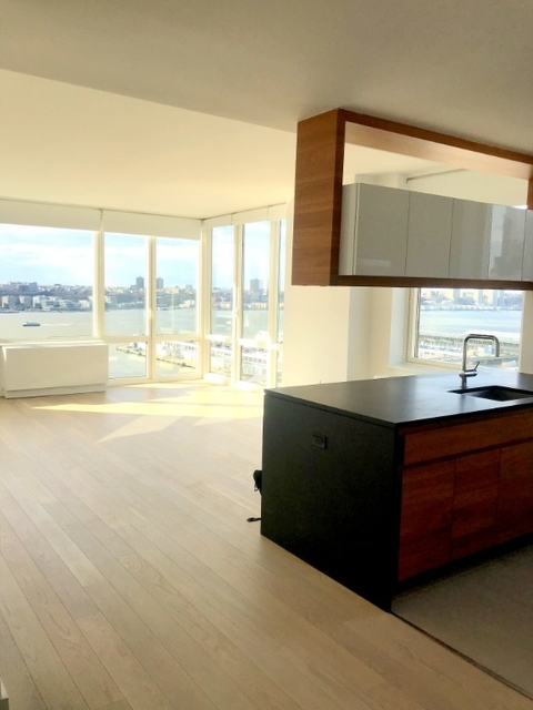 2 Bedrooms, Hell's Kitchen Rental in NYC for $4,890 - Photo 1
