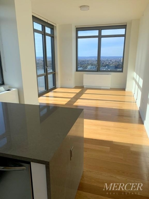2 Bedrooms, Hell's Kitchen Rental in NYC for $4,781 - Photo 2