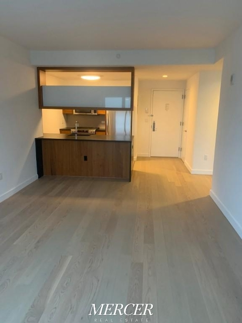 1 Bedroom, Hell's Kitchen Rental in NYC for $3,495 - Photo 2
